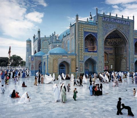 The Blue Mosque, Mazar-i-Sharif, Northern Afghanistan © Sophia Evans, 2004
